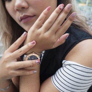 I like having my nails done.  Nail art by @joannestudio.jkt . . . 📷 : @nurandika21 . .  #nails #nailsofinstagram #nailart #nailsonfleek #vsco #vscocam #beauty #beautyenthusiast #beautyblogger #clozetteid #christmasnails