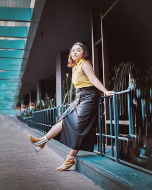 Ootd kemaren serba khuninggg 💛 . . .  #ootdlidya #ootd #outfits #fashion #outfitinspiration #style #outfitoftheday #clozetteid #outfitideas #streetstyle #fashionstreet #ootdstreet #explorejakarta #jakartafashion