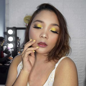 Kuning 💛 . . .  #makeup #beauty #beautybloggers #beautyenthusiast #yellow #yellowmakeuplook #yellowmakeup #clozetteid #lidyareview #lidyamakeup #indobeautysquad