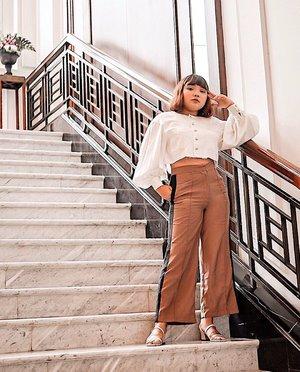 Selamat pagi.. . . . 📸 : @stellajoee .  #ootdlidya #ootd #outfits #fashion #outfitinspiration #style #outfitoftheday #clozetteid #outfitideas #streetstyle #fashionstreet #ootdstreet #explorejakarta #jakartafashion #meandberrybenka