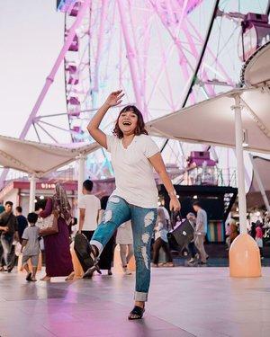 Happy Weekend! Gimana kabar kalian? Tetap semangat ya walau Jakarta habis banjir 💖 . . .  #ootdlidya #ootd #outfits #fashion #outfitinspiration #style #outfitoftheday #clozetteid #outfitideas #streetstyle #fashionstreet #ootdstreet #explorejakarta #jakartafashion