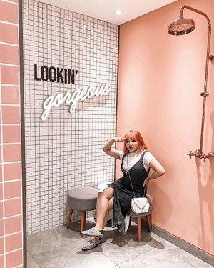 Keren bgt Toilet nya! 💖 . . .  #ootdlidya #ootd #outfits #fashion #outfitinspiration #style #outfitoftheday #clozetteid #outfitideas #streetstyle #fashionstreet #ootdstreet #explorejakarta #jakartafashion #cgv #cgvcinemas #toiletcgv #toiletumum #art