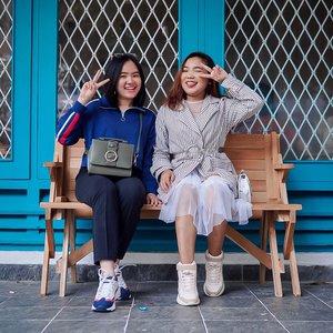 Swipe buat tau dulu kita se-kurus apa 😅 . . .  #ootdlidya #ootd #outfits #fashion #outfitinspiration #style #outfitoftheday #clozetteid #outfitideas #streetstyle #fashionstreet #ootdstreet #explorejakarta #jakartafashion
