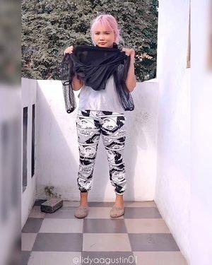 Bikin part 2 nya #passthebrushchallenge bersama my squad.  @hanjizah @raraltf @dhenis_28 @makeupjesslyn @laveniaoldriana @waiwdntiyy @awkdewi @olin.dnd .  Tapi kali ini giliran oper operan baju #ootddirumahaja 😅 . . .  #dontrushchallenge #ootd #ootdlidya #fashion #clozetteid #indobeautysquad