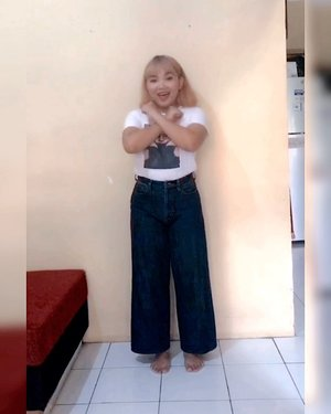 My 1st Fashion Tiktok Video 😋 .  Recreate @gigirella_ ❤️ . . .  #ootdlidya #dirumahaja #fashion #tiktok #tiktokindonesia #fashionvideo #clozetteid