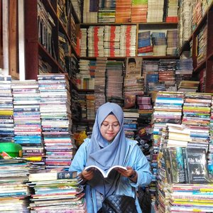 Happy World Book Day 📒📖 __ #bookday  #ClozetteId  #happyworldbookday  #bookstagram  #bookslovers