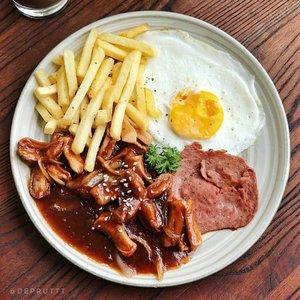 Jangan lupa sarapan ! Cukup hati saja yang kosong, perut jangan. �--#clozetteid #morningvibes #breakfast #breakfasttime #foodgram