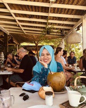 Eat, chill & enjoy every corner of @nook_bali ♥️.....#nookbali #ifatraveldiary #ifabalitrip #clozetteid #approvedbyifa #thebalibible #balilife #explorebali #ifafoodjourney #hijabtravellers #nookbalirestaurant #kulinerbali #ggrep