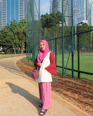 Current fav: foto sore-sore pas golden hour 🌞☀ #ifaootd #ggrep #myeverydaymks #clozetteid #ggrepfashion #wiwt #hijabfashion