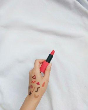 Then thinking two is better than one.. Or maybe 3 , 4 , 5? 😂😂 Berlaku untuk lip products wkwk Setuju ga?! . . . . . . . . . #tiktok #clozetteid #ragamkecantikan #sbn #snowapp #tiktokindonesia #tiktokindo #tiktokers #lol #beautyreview #beauty #cantik #tipscantik #lipstickaddict #lipstick #beautybloggers #pinterestinspired #fyp #fypchallenge