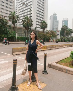 Happy belated birthday Jakarta :) Miss those times that i could conquer you without worrying about oh co ro na~ Praying for the better condition ⛅  Using @wanderlust.preset (again in warm light) . . . . . . . . #ootd #fashion #jakarta #coronavirus #byecorona #plazaindonesia #ootdindo #indonesia #lookbook #lightroom #pinterestinspired #filters #styleinspo #style #ootdinspiration #clozetteid