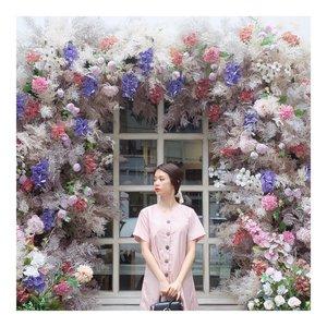 Good morning  Have a great weekend 😀😀 #fashionpost #styleinspiration #dailystyle #ggrep #tampilcantik #flowerdress #dress #ootd #style #clozetteid  #셀스타그램 #팔로우 #오오티디 #패션 #데일리 #일상 #데일리 #whatiwore #ootdmagazine #exploretocreate