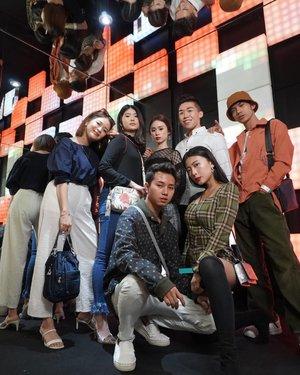 Last night, Plaza Indonesia Men's Fashion Week Hotel de Lily New Collection by @x_sml  Shoes by @adidasindonesia . .  #ootd #ootdindo #outfitoftheday #instastyle #stylefashiondaily #fashionaddict #bloggerstyle #lookbook #lookbookindo #ootdmagazine #styleblogger #fashionpost #styleinspiration #dailystyle #clozetteid#ShoxSquad #outfitsociety #vsco  #셀스타그램 #팔로우 #오오티디 #패션 #데일리 #일상 #fashiongram #fashionvibes #PIMFW2019