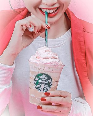 "Sundays were made for Good Music, being lazy with the people i love and drink Double Pink Coffee Frappuccino by @starbucksindonesia Available until 31 October 2019Drink it and you already support ""them"" Poke @lovepinkindonesia #sbuxcupsofcourage #starbucksid #doublepinkcoffeefrappuccino #starbucks #clozetteid"
