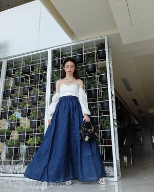 """Jacquard Skirt from @lovebonitoid  plus Sabrina Top from @belleivy_shop  I'm ready to have some pretty brunch with my pretty friend  Happy sunday all  📸 @olvpramaisella my love.... Si lem**, kita sama ahahahahaa... ngakak aduh tayang olip chan  I got this skirt from @zaloraid Get this look with GREAT PRICE. Use """"ZLRSILVIA"""" to get additional 22% disc  #styleblogger #ootdindonesia #koreanstyle #ootdindo #clozetteid #ootdindokece #styleinfluencer #fashionstyle #fashionaddict"""