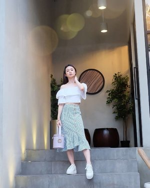 Real style is never right or wrong.  It's a matter of being yourself on purpose.  White Sabrina Top @zara Blue skirt @lovebonitoid  Bag @zaloraid x @blancandeclare_official  #ootd #outfitoftheday #instastyle #stylefashiondaily #fashionaddict #bloggerstyle #ookbook #lookbookindo #ootdindo #ootdmagazine #styleblogger #fashionpost #styleinspiration #dailystyle #clozetteid  #셀스타그램 #팔로우 #오오티디 #패션 #��리 #�� #��리 #whatiwore #ootdmagazine #exploretocreate