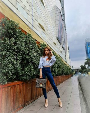 #SundayOotd top by @wearorlin   Jeans and heels = love  #ootdstyle #ootdindokece #ootdindonesia #ootdid #styleblogger #stylefashion #fashionstyle #fashion #clozetteid