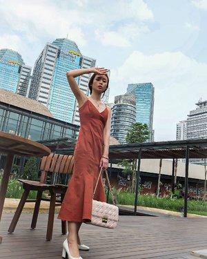 Good Morning from Jakarta...  Tgl 24 Des 2020 guys....  #STAYSAFE #ootdstyle #ootdindokece #ootdindo #clozetteid #stylefashion #stylediary #styleblogger #fashionstyle #jakartaspot