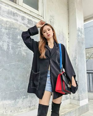 Another #ootdsilviamuryadi  Styled by @styletheoryid  Together with high black boots And my classic bag  #ootdstyle #ootdindokece #clozetteid #fashion
