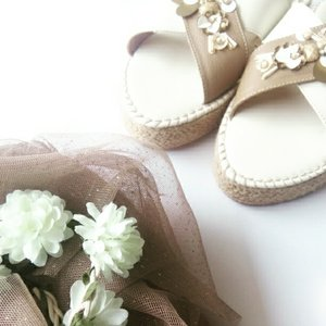 love this embellished sandals from Pvra ❤