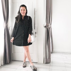 """""""She wears black but she has the most colorful mind."""" Actually no. This girl's mind is a thousand shades of grey.  #clozetteid #ootd #monochromeootd #busui #breastfeedingfriendly #stylegram #lookdujour #mondays #mymamahood"""