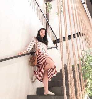 How to wear stripes: with more stripes.  #styleinspo #clozetteid #ootd #lookoftheday #momblogger #realoutfitgram #indonesianblogger