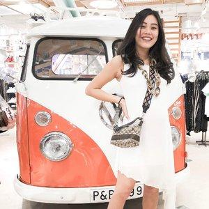 Let's drive around town holding hands 🚘  #sundayoutfit #clozetteid #ootd #lookbook #lookbookindonesia #indonesianblogger #stylestalker #stylemepretty #whywhiteworks
