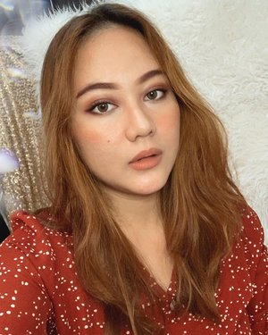 Ceritanya mau re-create makeup nya @bennipi tapi fail soalnya matanya kurang smokey :,) huahaha mohon maklumi makeup w yg masih amatir wkwk 😂 siapa disini yg nonton film @baby_netflix jugaa?? 🥰..#gorgeouspellbywindana #makeuplook #beauty #beautyblogger #makeuptutorial #clozetteid #beautyenthusiast #100daysofmakeup #ragamkecantikan #tampilcantik #ulzzang #kbeauty #beautyjunkie #whatiwore #bloggerstyle #summeroutfit #womenfashion #explore #lookoftheday #ootd #ragamkecantikan
