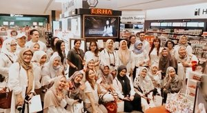 It's a wraaap 🥳 Congratulation @erha.dermatology  for the launch in @watsonsindo now you can buy your favorite products at Watson nearby 💞#ERHAATWATSONS #ERHASKINANDHAIRSERIES #CARINGCURINGCLOSERTOYOU #WATSONSID #LOOKGOODFEELGREAT #clozetteid