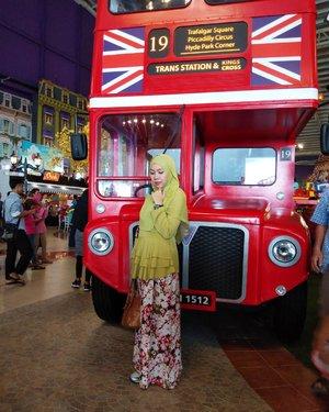One day, we'll be there... Insya Allah 😍#London #UK #Inggris #Londonistan #gayagie #travelblogger #clozetteid #hijabblogger #bloggerlife #hoponhopofflondon #londonbus #miniatur  #lifestyleblogger #modeststyle #hotd #ootd #modestlook #hijabtravellers #jalanjalan #liburangie