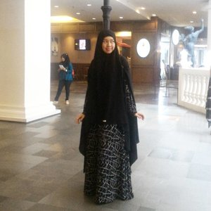I can't go back to yesterday , because I was a different person then. . . . . . . Gamis by @sahila.id present from @mnursubkhiyah 📷 @alvi_zira  #clozetteid #clozette #KPA3 #kpa2016 #konvensicintaAllah #ISN #syiarnetwork #sharinggie #ceritagie #gayagie #lifestyleblogger #lifeisnevaflat #bloggerlife #bloggerstyle #hijabstyle #hijabblogger #loveandpray #lovelife