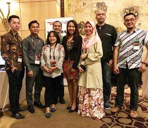 🍁Make it Local Jakarta🍁 . . . TLU Team in collaboration with Adobe APAC & Wacom for #makeitlocaljakarta 2017 💜💜💜 #ceritagie #clozetteid #teknoteam #teknolifegie #lifestyleblogger #hijabstyle #hijabblogger #bloggerlife #bloggerstyle #adobemakeitlocal2017 #Adobe's #adobe #adobeteam #adobeindonesia #adobeeducation #adobeenterprises