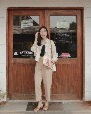feeling more energetic with sth beige outer from @petitecupcakes —— the most fav down to earth color that won my heart 💫