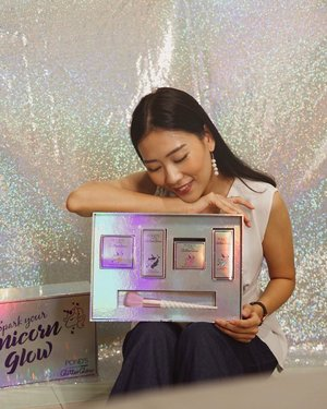 finally #PondsGlitterGlow is here ‼️for you glowgetters and glitterfreaks, this collection just specially made for you guys ✨——#SparkYourUnicornGlow have glitter duo powder, peel-off glitter mask, glitter cream and  glitter moisture stick, the effortless glow with instant holographic looks make me so in love with @pondsindonesia collection, make your make-up perfect for daily look or even night look! #BornUnicorn#GlitterGlowReview