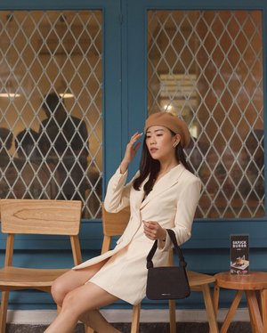 last weekend situation —— sitting in coffee shop and take an proper #OOTD ✨ @pomelofashion | 📸 @kristiantandjung