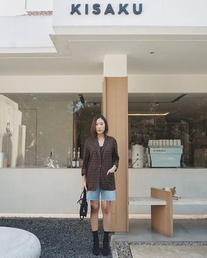 typical japanese coffeeshop di #jakarta , udah ada yang pernah belum ke @kisaku.co ? 🙈 ——— blazer by. @shopatvelvet | #weshopatvelvet