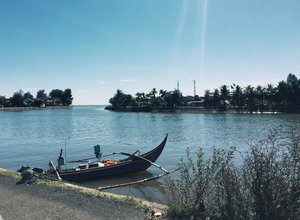 Tapsung : Tapi Sungai #riverside #sunnyday #bloggerpalembang #palembangblogger #momblogger #kompasianerpalembang #kompalers #lifestyleblogger #bloggerperempuan #bloggerpalembangkumpul #emak2blogger #emakblogger #KEB #bloggercihuy #bloggerindo #bloggerindonesia #ClozetteID#InyunMoto #PhotoNyun