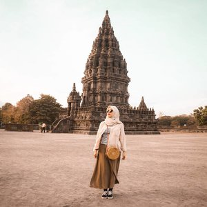 Prambanan. ..#clozetteid #clozette #clozetter #prambanan #yogyakarta #ootd #hootd