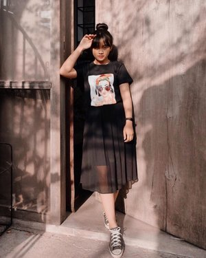 You can wear black at anytime, you can wear iy at any age. You may wear it for almost any occasion. . . . . . #fashion #style #outfit #ootd #ootdasian #ootdfashion #stylecaster #lookbook #lookbookindonesia #lookbookindo #outfitinspiration #beautyblogger #beautyinfluencer #styleblogger #likeforlikes #influencer #aboutalook #photooftheday #instagood #instafashion #instadaily #instalife #photography #black #blackoutfit #clozetteambassador #clozetteid