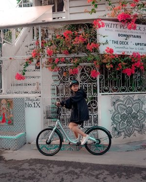 nungguin oppa lewat•#clozetteid #clozette #cycling #bicycle #truebeauty #webtoon #teamsuho #teamseojun #influencer #influencerbali #beauty #fashion #lifestyle #blogger #healthy #indotravelvidgram #ootd #welovebali #wonderfulindonesia #ootdtraveling #ootdmagazine #instatravel #travel #photography #photooftheday #likeforlikes