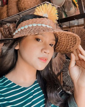 straw sun visor hat to complete your holiday... happy weekend!!! . #ootd #style #fashion #lookbook #lookbookindonesia #ootdfashion #ootdindonesia #ootdasian #bali #indonesia #vacation #vacationmode #holiday #holidaywardrobe #wardrobe #clozette #clozetteid #clozetteambassador #패션 #일상 #럽스타그램 #옷스타그램r #influencer #likeforlikes #photooftheday #fashionstyle #instafashion