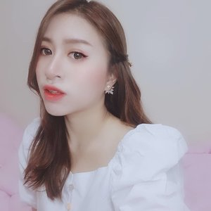 Be happy. Be you ❤  #clozette #clozetteid #beauty #beautyblogger #asian #weekend #white #girl #indonesianbeautyblogger #happy #fotd #selca #selfie #ulzzang #uljjang