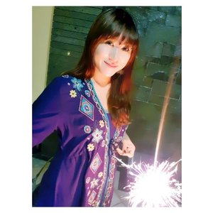 🎉 Happy New Year 2018 🎉  #happynewyear #2018 #starclozetter #clozetteid #girl #fireworks #newyear #beautyblogger #fotd #potd #asian #selca #selfie #hello2018 #ootd #indonesianbeautyblogger #sister #family