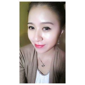 #selca #selfie #asian #chinese #chinesegirl #girl #me #latepost #fotd #potd #makeup #blogger #beautyblogger #indonesianbeautyblogger #bourjoisrougevelvet #frambourjoise #motd #ulzzang #clozettedaily #clozetteid #clozette