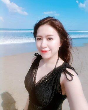 """Live in the sunshine, swim the sea, drink the wild air.""—Ralph Waldo Emerson#beach #bali #beautyblogger #clozetteid #clozette #indonesianbeautyblogger #asian #holiday #beachwear #swimsuit #bluesky #vitaminsea #sea #ocean #fun #latepost #fotd #ootd"