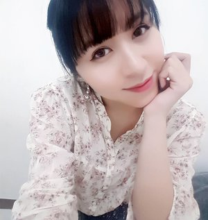"""Smile more. Smiling can make you and others happy."" — Roy T. Bennett, The Light in the Heart  #quote #smile #justforfun #me #clozetteid #starclozetter #blackhair #ulzzang #uljjang #beauty #beautyblogger #indonesianbeautyblogger #asian #girl #selfie #selca #selcas #potd #fotd"