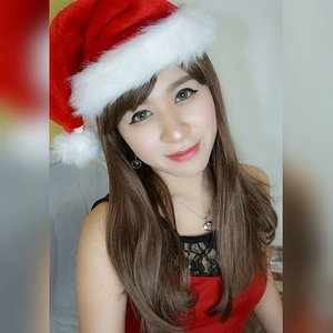 Pakai kinoko wig beli di @pinokobeauty @pinokobeauty2Rambutnya halus sampai bisa disisir :) #pinoko_natal_photocontest #natal #merrychristmas #christmas #happy #selfie #selca #asian #beauty #beautyblogger #indonesianbeautyblogger #clozetteid #starclozetter #girl #fotd #potd #ootd #ulzzang #red