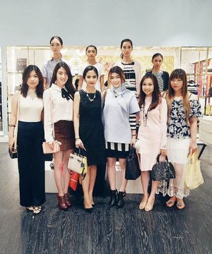 Still from yesterday hosting at Kate Spade newest store @tunjungan_plaza Surabaya 😗😗 #clozetteid #eventsurabaya #katespadeindo #livecolorfully #katespadeny