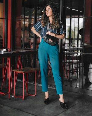Bring back 90's trend be like...Mariam Belina or Nurul Arifin? 😜😜 #walkwithwatt #clozetteid #mbymischaweekend #youxcottonink