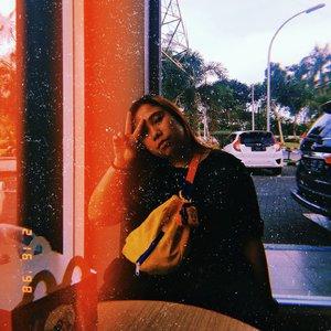 Happy Meal untuk segala usia 😂 Luv @mcdonaldsid ❤ . .. . . . . . . . #Clozetteid #bigsizeindo #bigsizeindonesia  #curvystyle  #batak #bataknese #reginapitcom  #pemuda_batak  #ootdplussizeindo #ootdindo #plussizeindo  #plussizeindonesia #curvystyleideasid  #indonesiabeautyblogger  #ootdbigsizeindonesia #sbybeautyblogger #missbbwindonesia